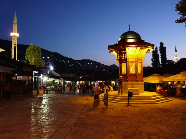 11_Sarajevo_Sebilj_Brunnen.JPG