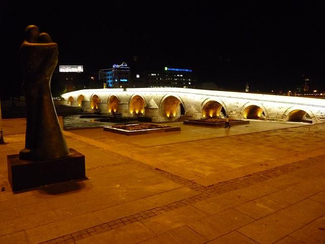 15_skopje_kamen_most.jpg