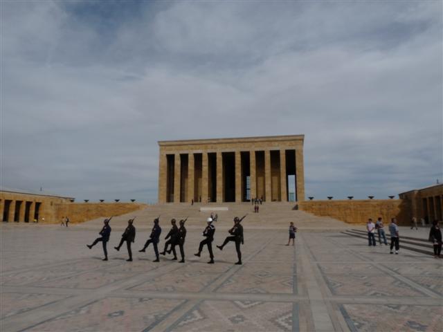 08_ankara_attatuerk_mausoleum.jpg